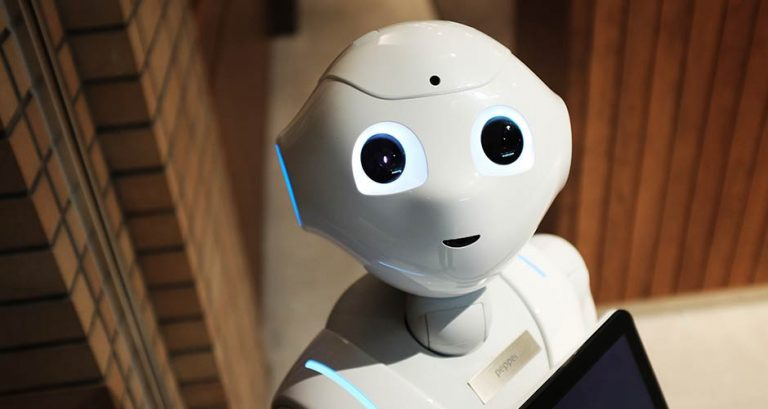 robot soppiantano hostess promoter e merchandiser